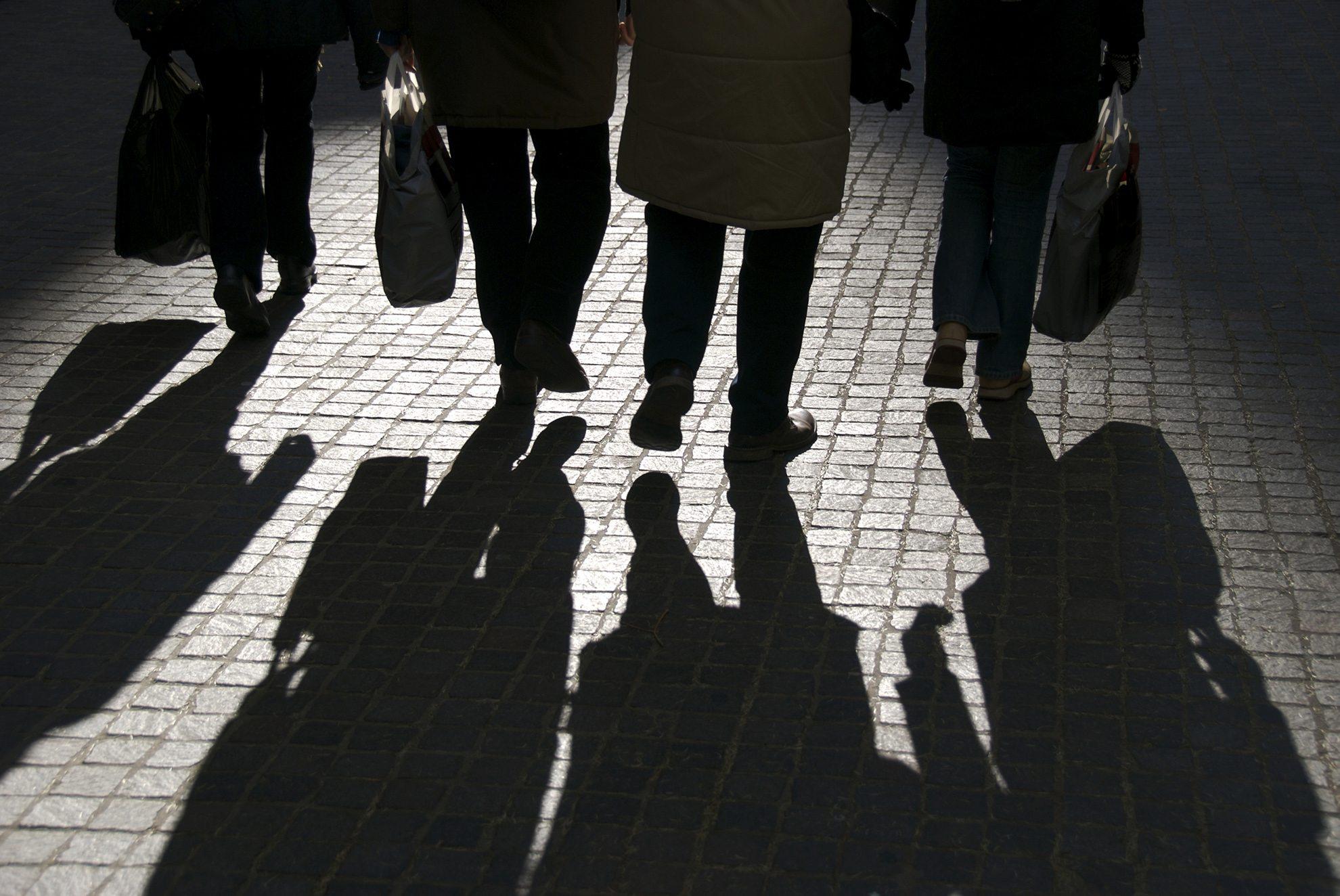 secret-meeting-shadows_2